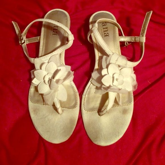 White flower sandals! A little dirt on the front from where I've worn them. Very comfortable! a.n.a Shoes Sandals