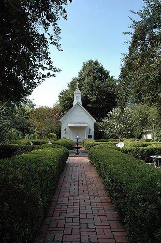 The Perfect Wedding Venue For Great Pictures Chapel Of Garden Valdosta Ga