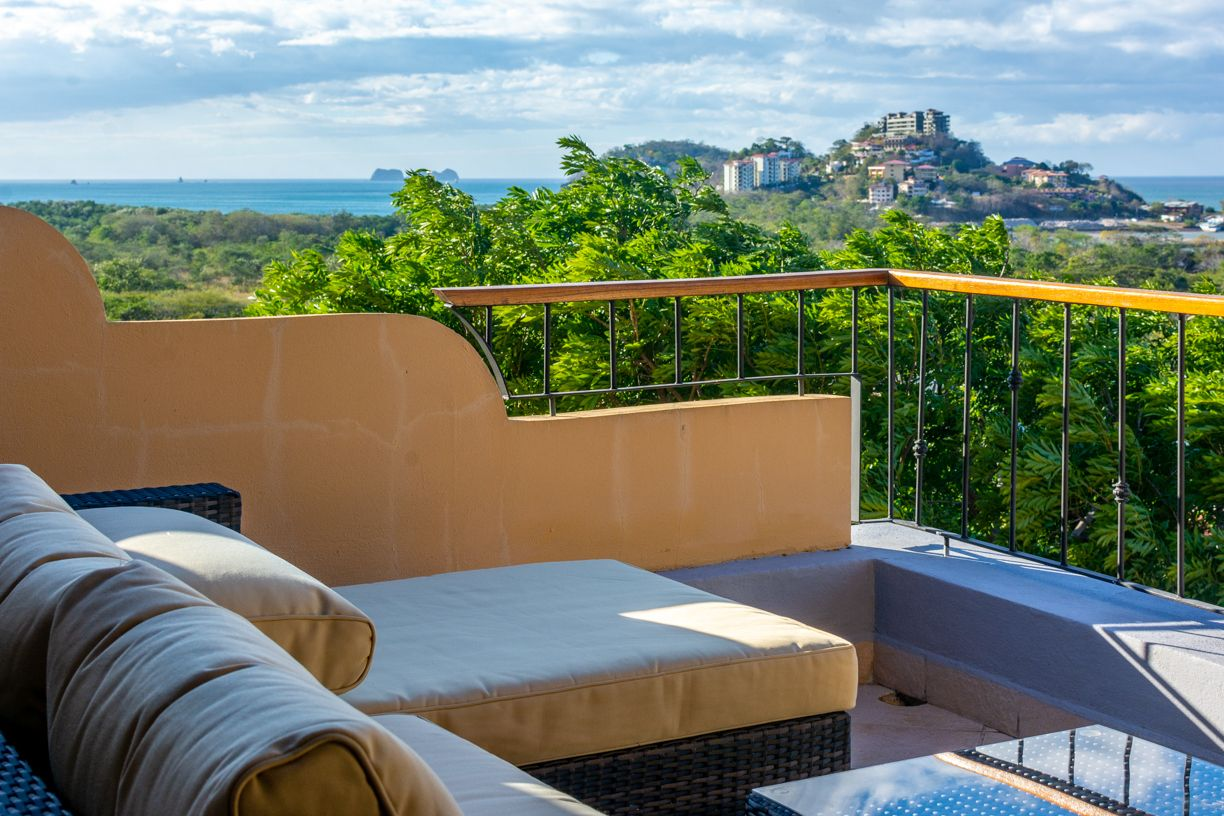 Can You See The View It Is Really Amazing From Here And The Best Part This Condo Is Open For Rentals Right Now C Costa Rica Vacation Condo Special Places