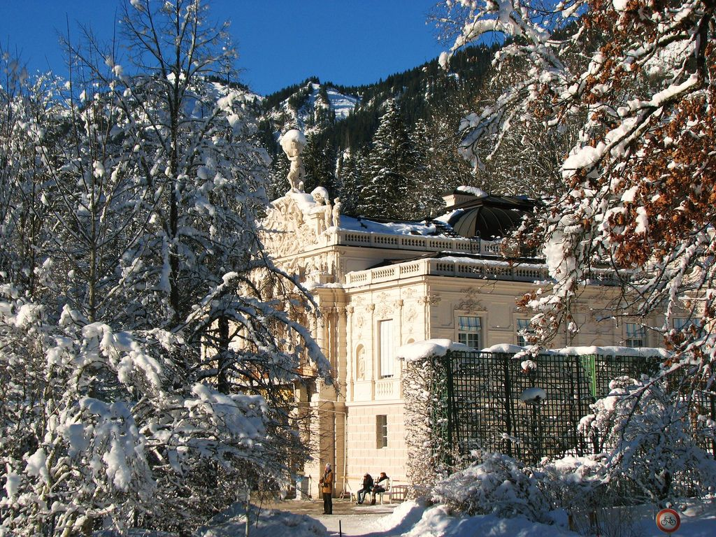 Schloss Linderhof With Images Winter Scenes Scenery Around The Worlds