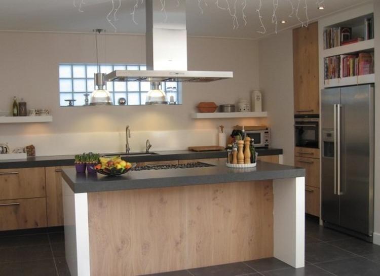Welke Nl Keuken : Foto: hout wit en steen. geplaatst door dorienvdaa op welke.nl