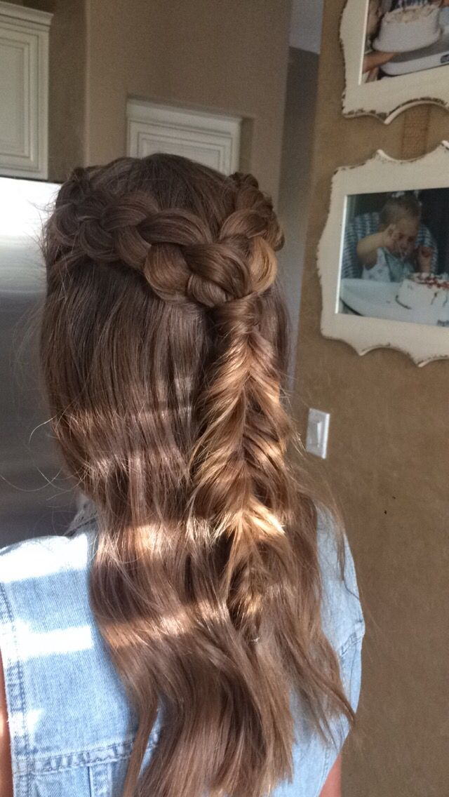Dance hair: soft waves with wand and pulled apart braids!