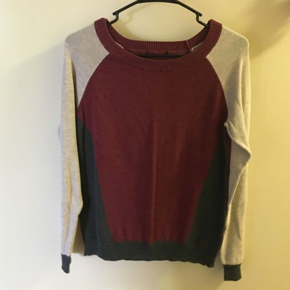 Color block light sweater This color block sweater is light and is great to dress up or dress down. Sweaters Crew & Scoop Necks