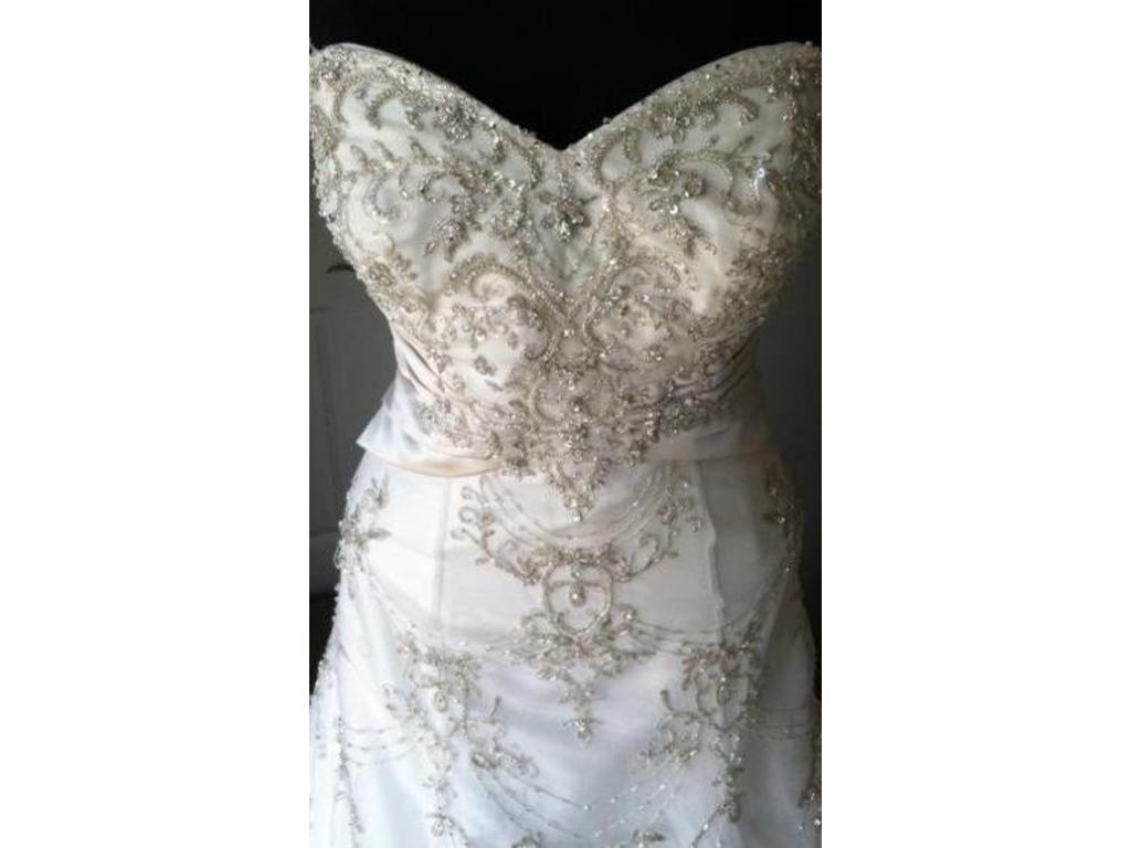 Pre owned wedding dresses  Allure Bridals   Size   Sample Wedding Dresses