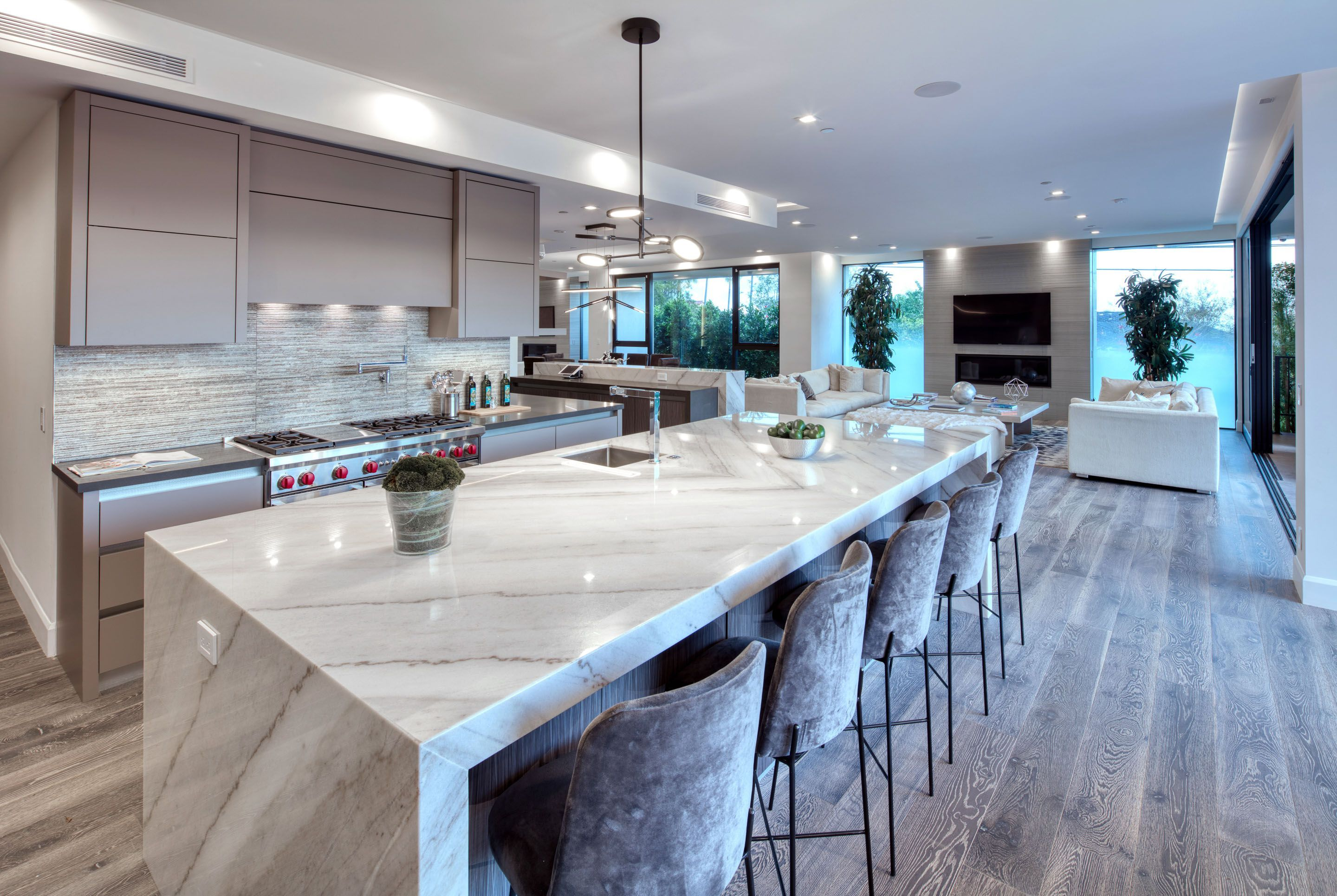Luxury Modern Kitchen With Large Island With Granite Marble   Big ...