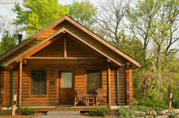Log Cabin Siding Materials And Options Wood Vinyl Or Aluminum Log Cabin Siding Woodland House Cabin