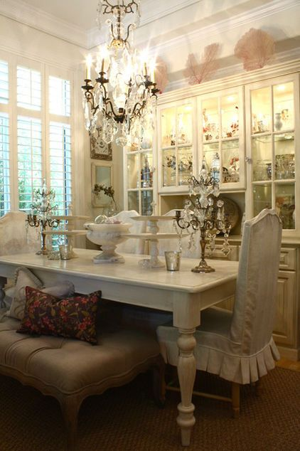 Salle A Manger But Malone : salle, manger, malone, Eclectic, Living, Shannon, Malone, Chandelier, Beautiful, Dining, Rooms,, Table,, Design
