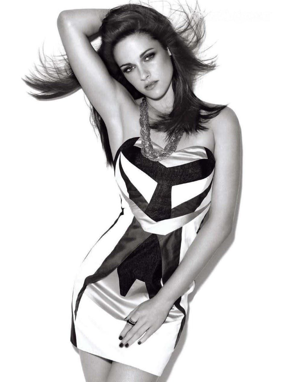 Kristen Stewart for Chanel. Say what you want about her, I say she's gorgeous
