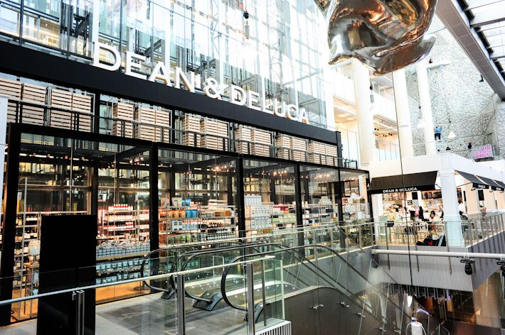 Dean Deluca181 Orchard Rd 04 23 24 Orchard Central Mon To Fri 11am 10pm Sat Sun 10am 10pm With Images Exterior Signage Supermarket Design Places