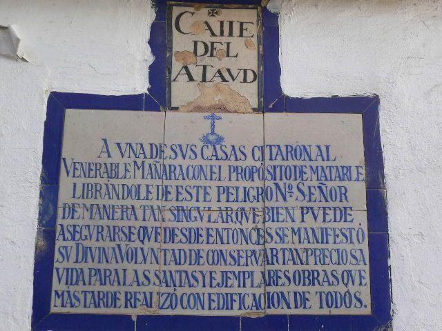 Calle Ataúd donde viera Miguel de Mañara su propio cortejo fúnebre.   http://sevillamiatours.com/miguel-manara-halo-luz-siglo-oscuridad/