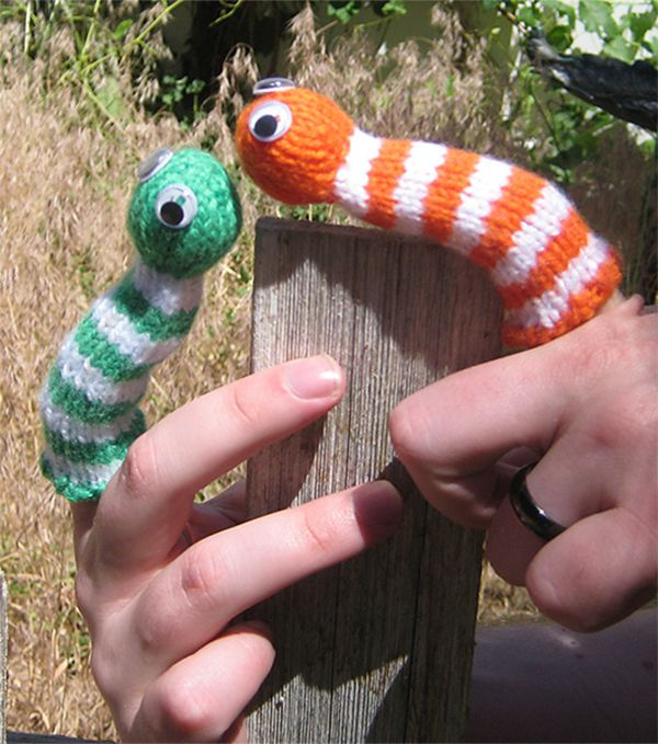 Free Knitting Pattern For Smiley The Worm Finger Puppet This Cute
