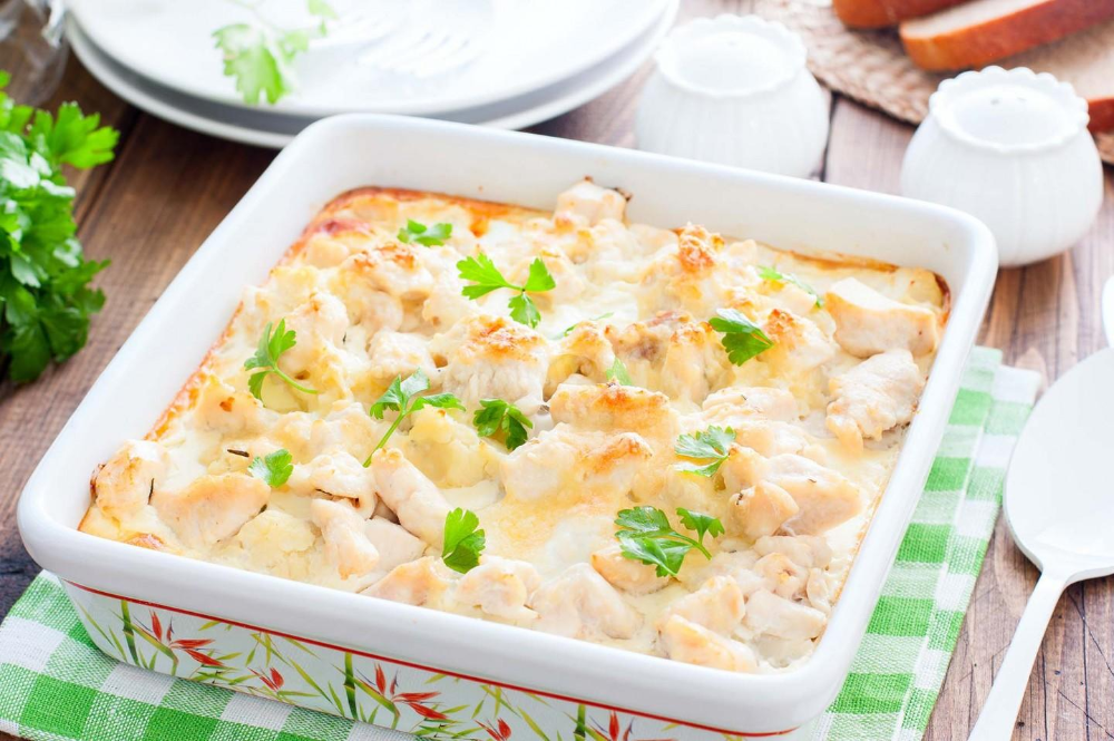 Курица с цветной капустой в духовке рецепт с фото пошагово ...
