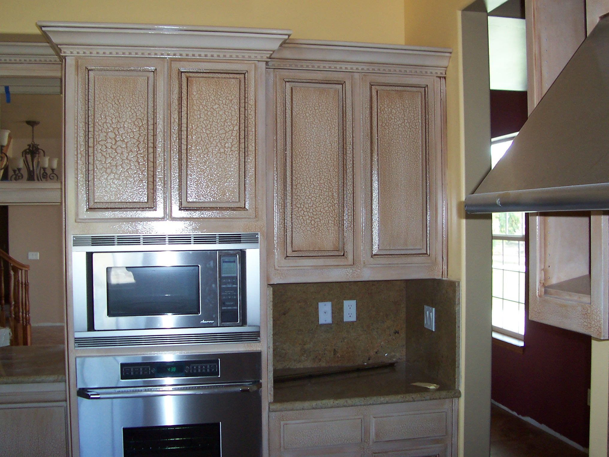 Crackle finish on kitchen cabinets antique paint design for Antiquing painted kitchen cabinets