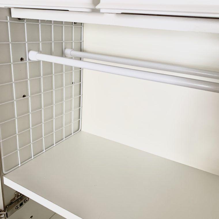 重い物も大丈夫 100均アイテムで絶対落ちない突っ張りアイデア 家がどんどん好きになる 整理収納 Diy 生活便利アイテム クローゼット 収納 インテリア 収納 洗面所下 収納