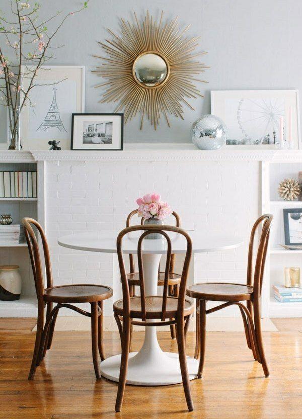 kleine sitzgruppe holz kunststoff esstisch ziegelwand esszimmer pinterest. Black Bedroom Furniture Sets. Home Design Ideas