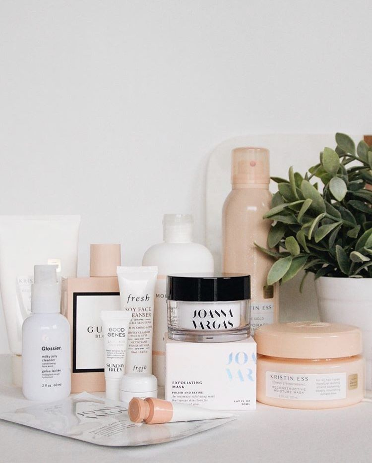 We Re Peachy Keen About This Shelfie From Thebrokenanny Glowbrighter Skin Care Beauty Blog Luxury Makeup