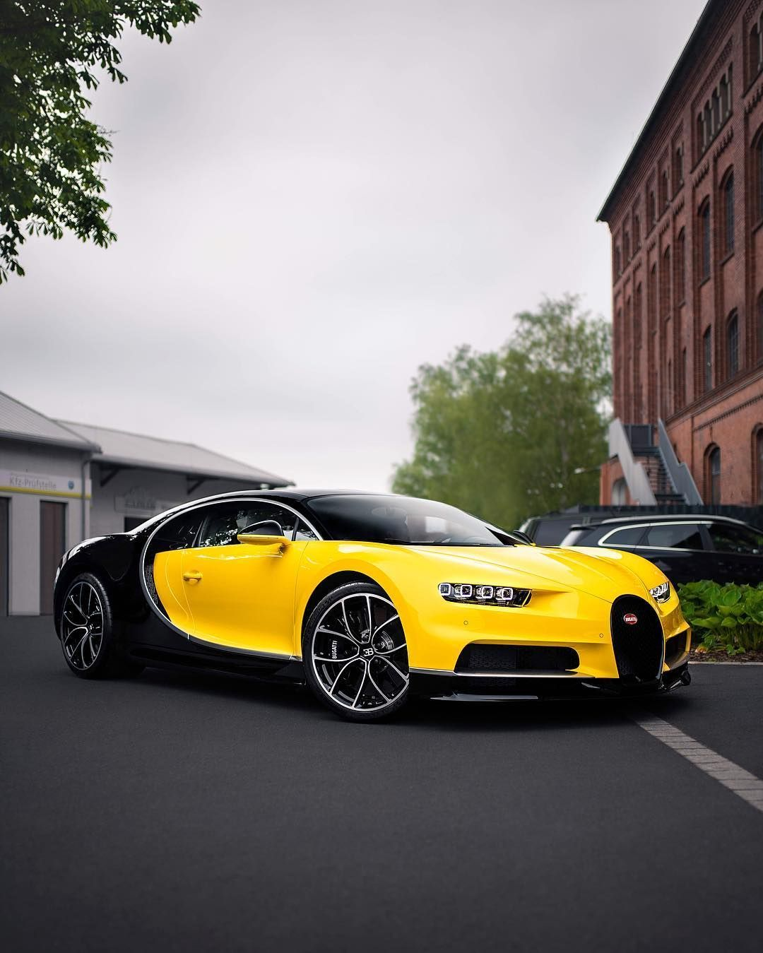 Bugatti Sports Car: Bugatti Chiron #bugatti #cars #fastestcars (With Images