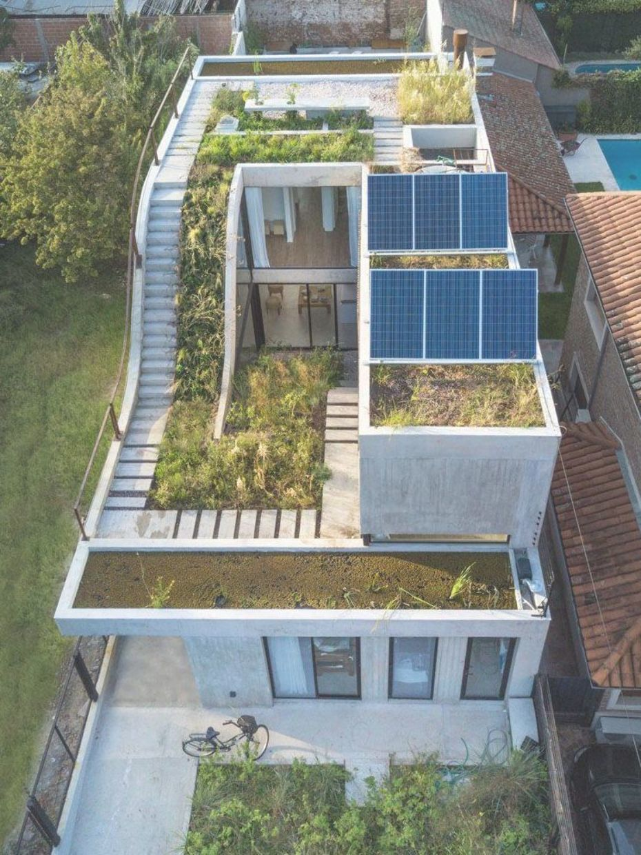 Rooftop Garden Ideas This Modern Concrete House Has A Garden That Travels Over Three Levels Rooftopga Garden Architecture Concrete House Eco Friendly House