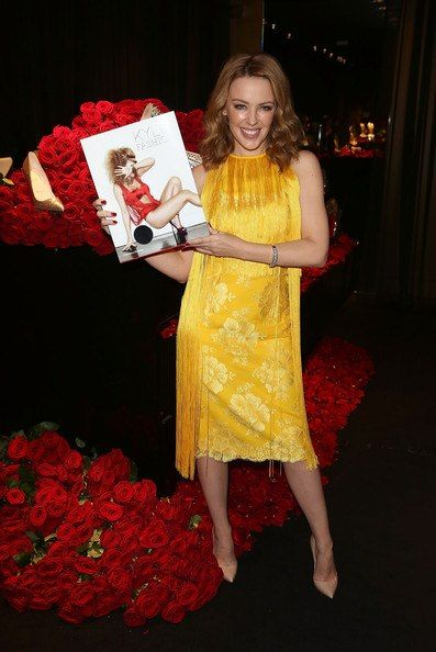 popicon Kylie Minogue launched her book 'Fashion' in Harrods in Londen! Porta Nova roses styled by Jeff Leatham together with LM Flower Fashion!