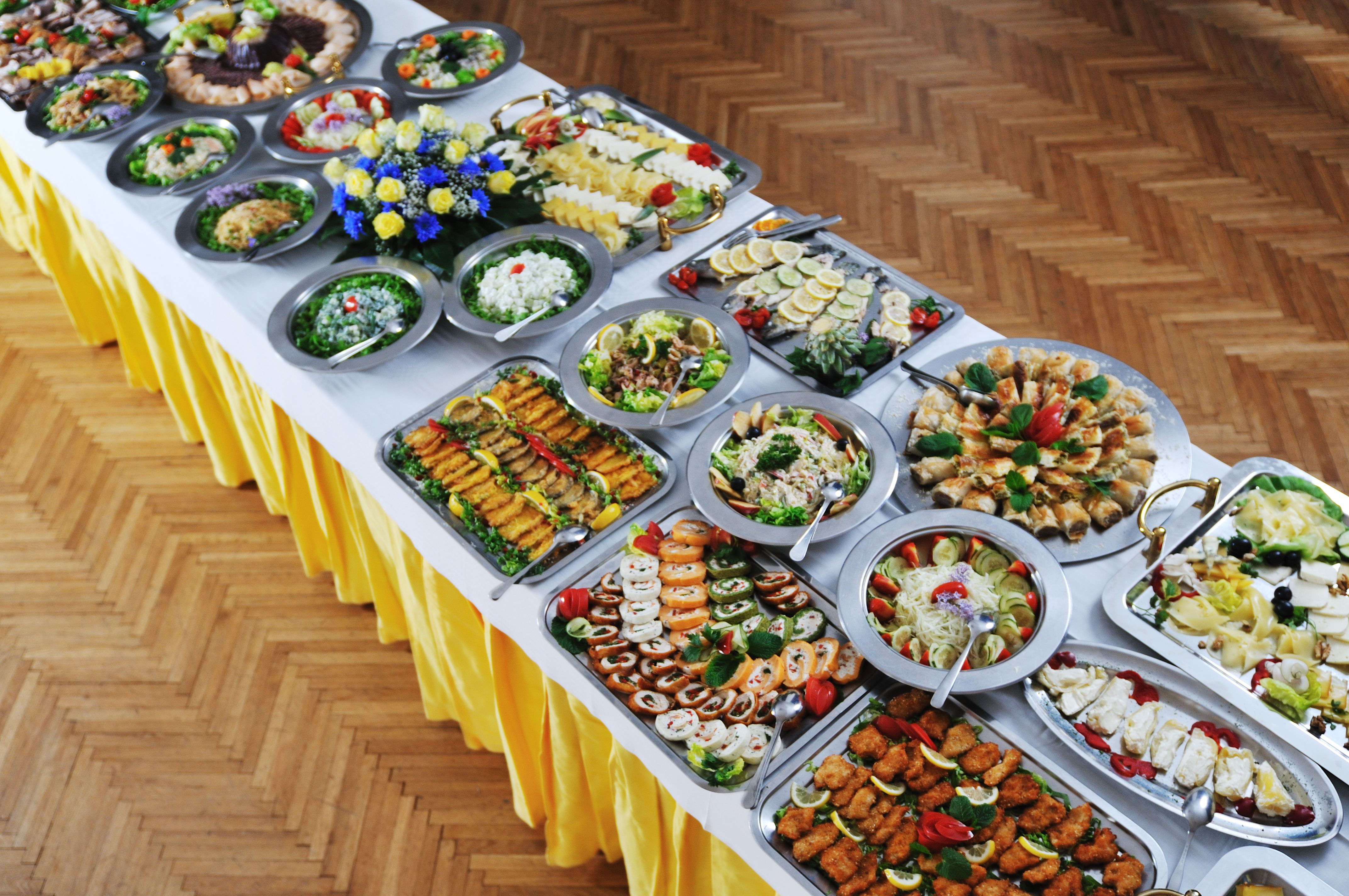 Wedding food table weddingfood weddingtips wedding food - Buffet table images ...