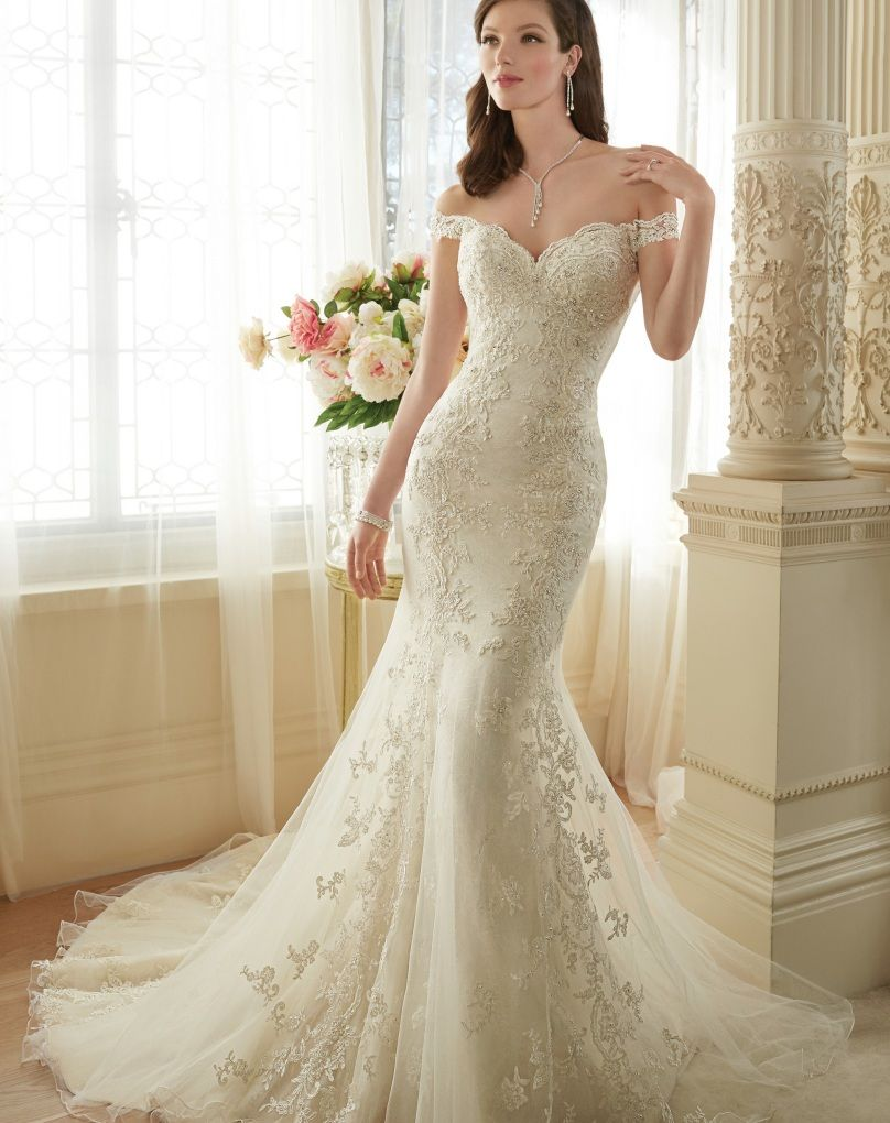 Backless Lace Mermaid Wedding Dress | Mermaid wedding dresses, Lace ...