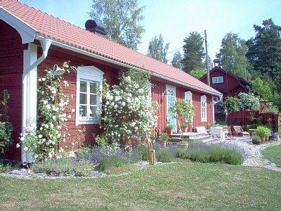 Tämä Tukholmassa sijaitseva talo sadan neliön talo on vuokrattavissa vähän alle 2000 euroa per viikko.