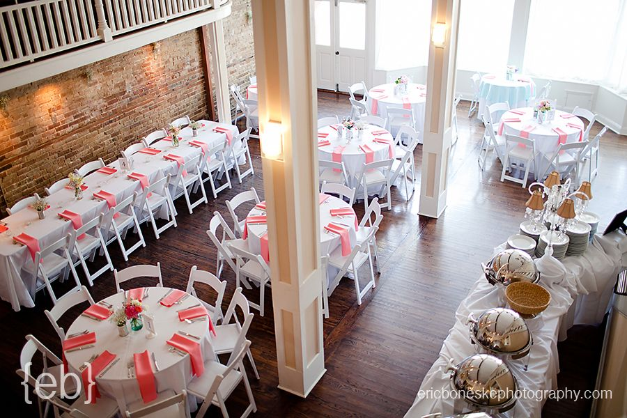 Table Set Up 128 South Weddings Wilmington NC White Ivory Linen Tablecloths With Coral Napkins