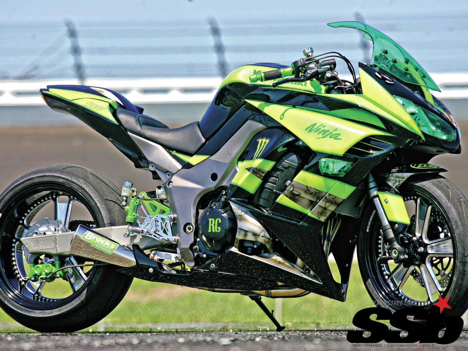 2011 Kawasaki Ninja 1000 Green With Identity Custom Bikes 300 Tarmac Full Exhaust System Carbon Fiber