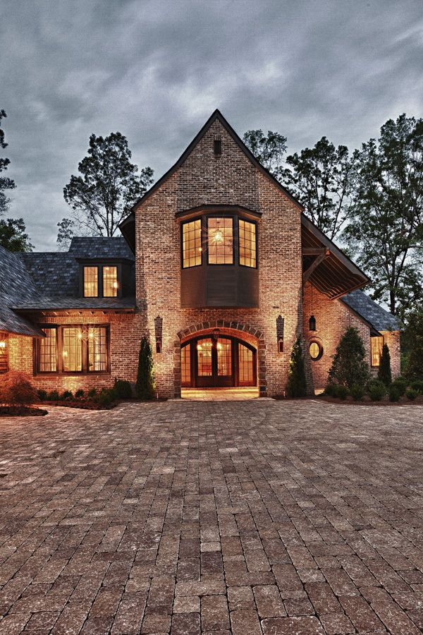 34 Samples Of Modern Houses Most Popular Exterior Design: #dillworthdevelopment@realestateinauburn#auburn#alabama#buy#sell