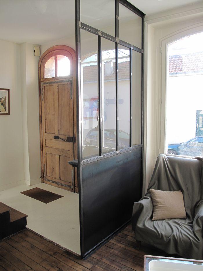separation vitr e type atelier et tablette en zinc for. Black Bedroom Furniture Sets. Home Design Ideas