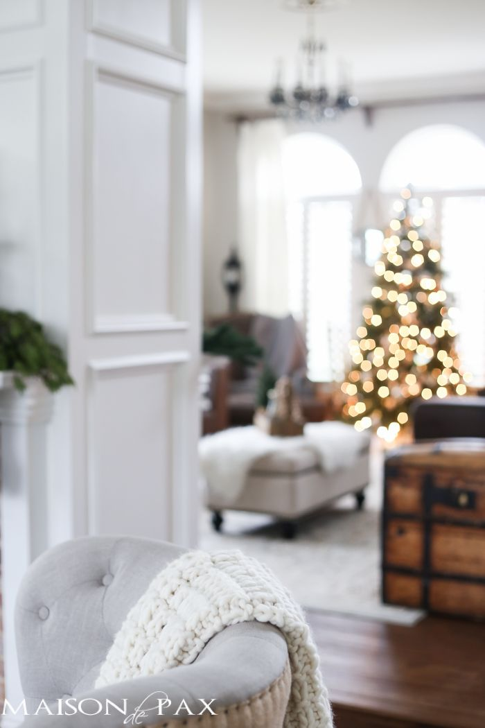 Green and White Christmas Decorating Ideas Christmas living rooms - christmas decorating ideas