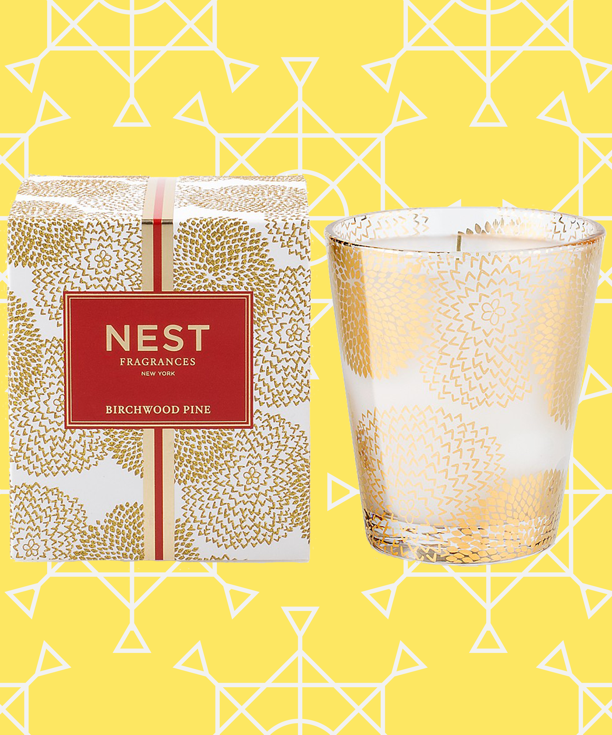 Nest Birchwood Pine Candle Review | Why this is the best holiday candle on the market. #refinery29 http://www.refinery29.com/nest-birchwood-pine-candle-review