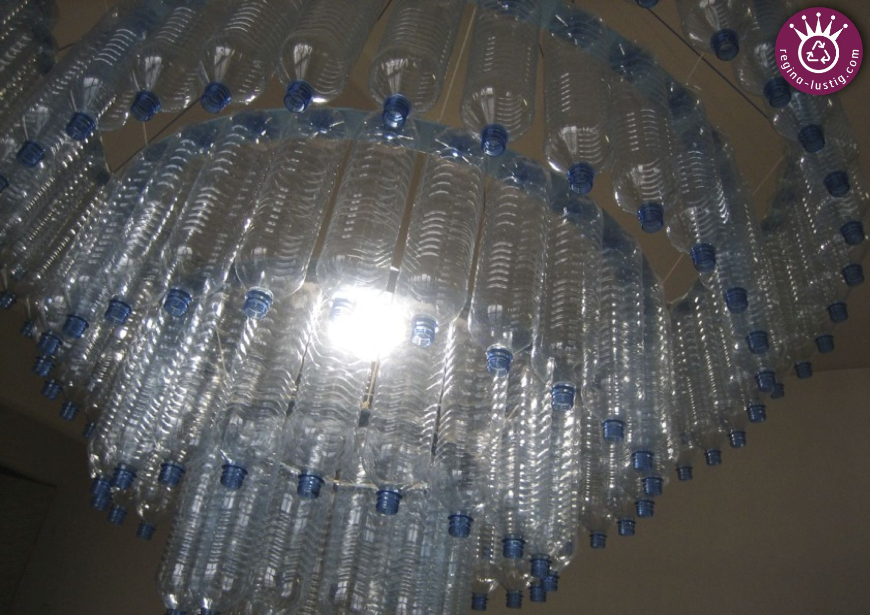 luster upcycling recycling diy pet bottle pet flasche lampe lamp mein atelier. Black Bedroom Furniture Sets. Home Design Ideas