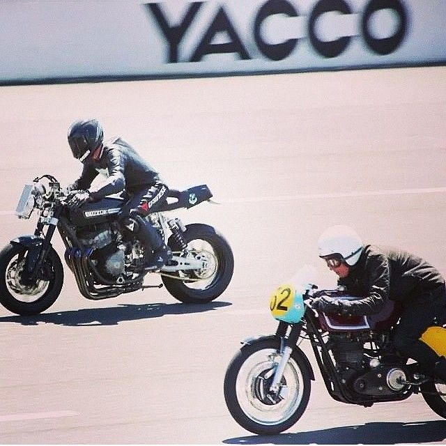 That Matchless was fast! But he didn't get my scalp. #caferacerfestival sprint. Photo by @renia1 #theblackarrow #Padgram