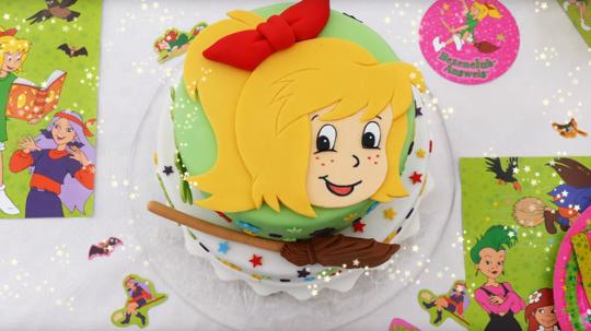 Deine Bibi Torten Vorlage Fur Fontant Kinder Kuchen Geburtstag Bibi Und Tina Torte Kindergeburtstag Kuchen Madchen