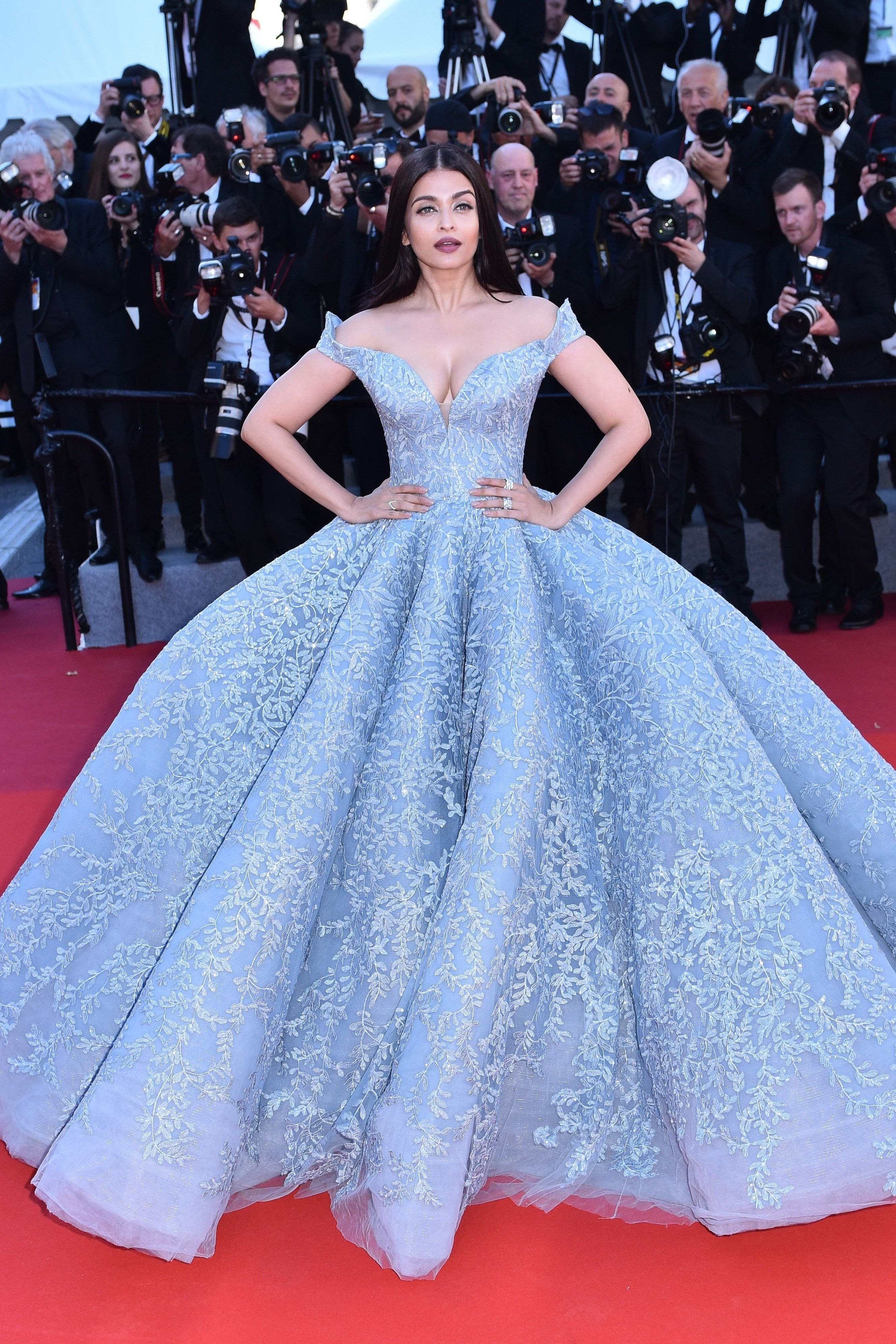 Aishwarya Rai Looked Like An Absolute Princess At Cannes Cinderella Gowns Gowns Celebrity Dresses