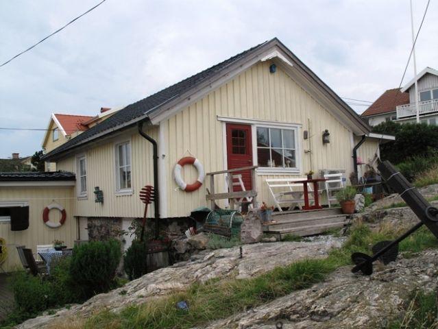 55c568e809c3 Charmig sjöbod med havsutsikt på ö (Stuga uthyres i Hyppeln, Öckerö,  Bohuslän)