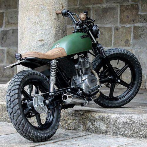 Honda CB250 Bullitt Garage   Cafe Racers & Scramblers   Pinterest ...