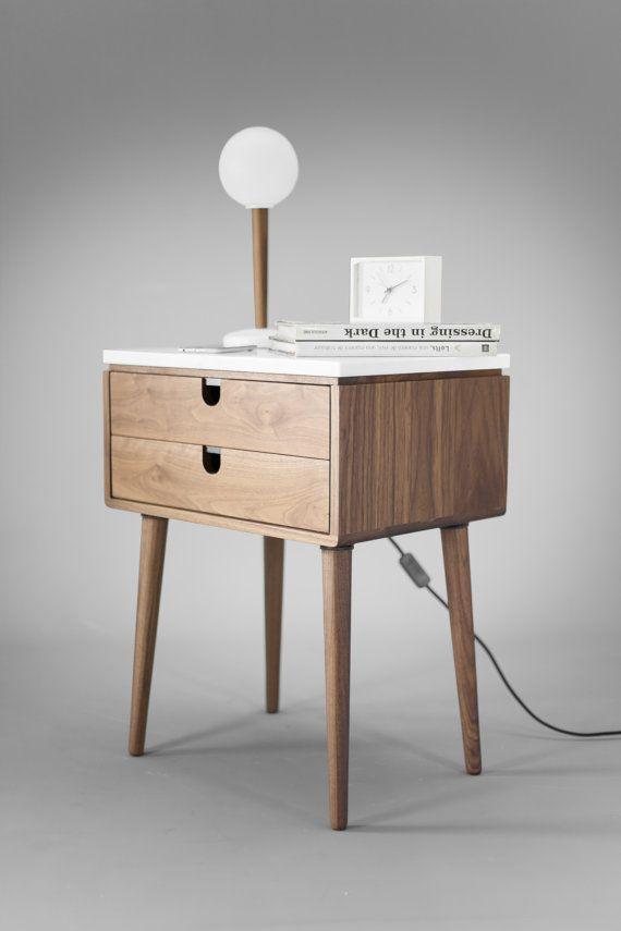 Nussbaum Mid-Century skandinavischen Nachttisch   von Habitables - attraktive nachttische moderne schlafzimmer
