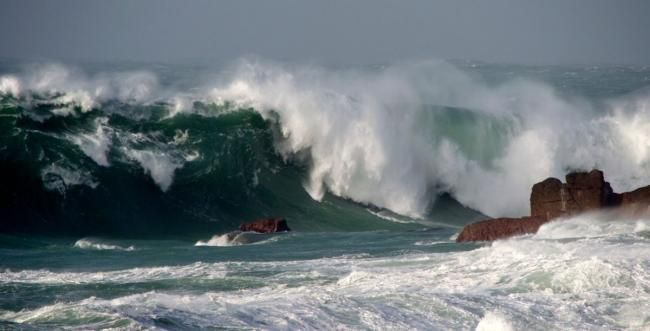 Six metre waves, gale force 8 and 'danger to life' as storm and flood warnings…