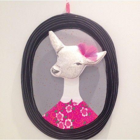 Trophée Biche liberty, biche, animal, nanelle, minimel, cadre, déco mural, chambre d'enfant, sweet, pink, cute