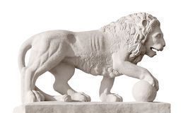 skulptur-des-löwes-mit-kugel-7047034.jpg (266×160)