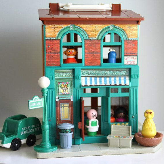 Fisher Price Sesame Street Little People play set! I love that Mr. Hooper is in the store! 1970's toys at its best! (Not a direct link) #vintagetoys