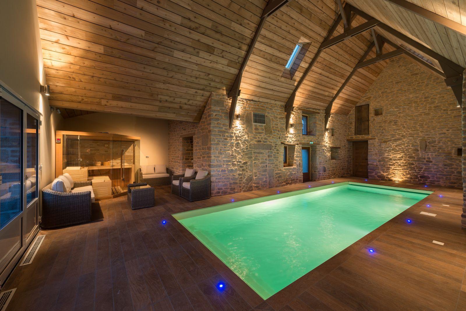 Chambre d'hote avec piscine en Bretagne, Morbihan   Piscine intérieure, Piscine interieure ...