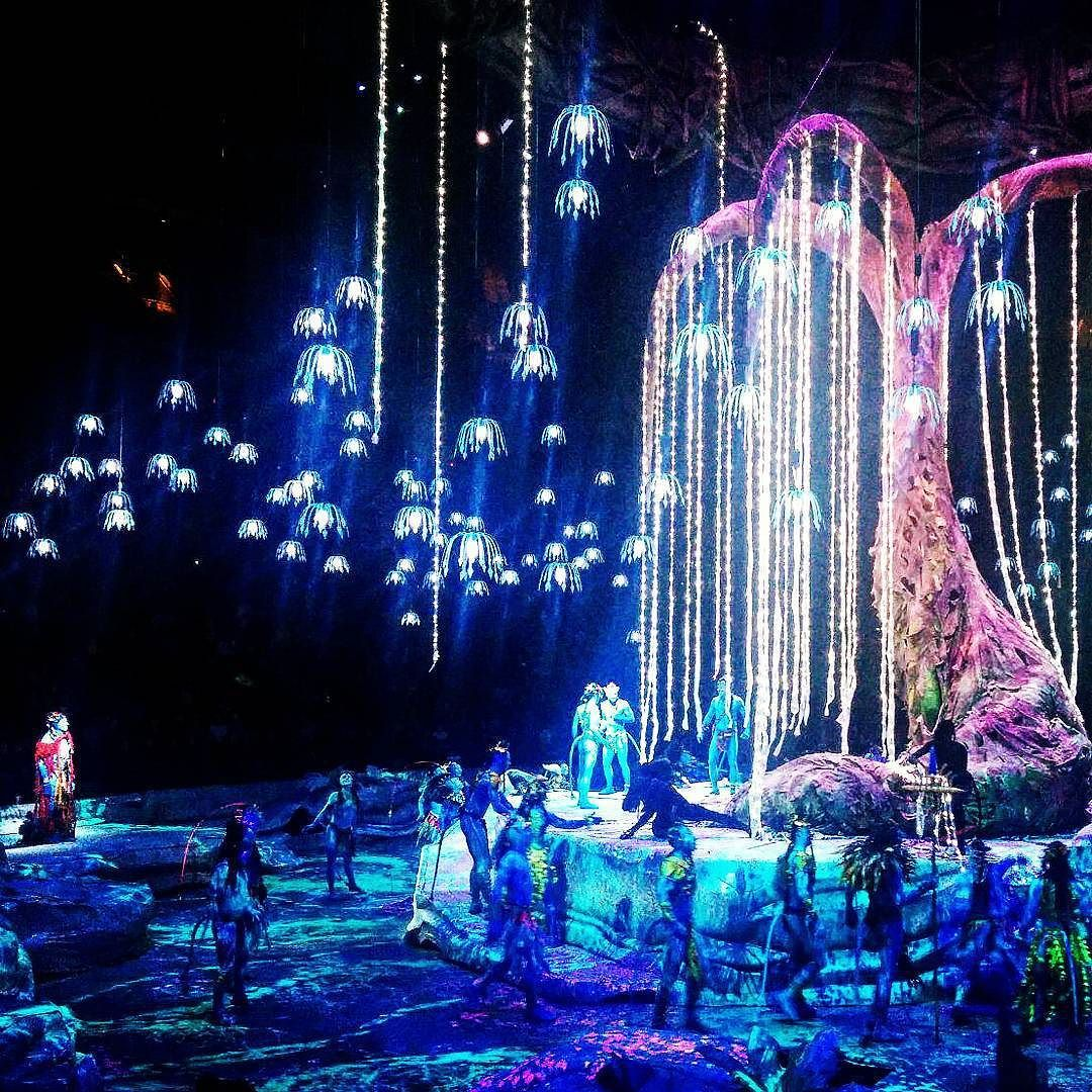 Avatar Pandora Landscape: Cirque Du Soleil #toruk #treeoflife By: @dave.ivanov