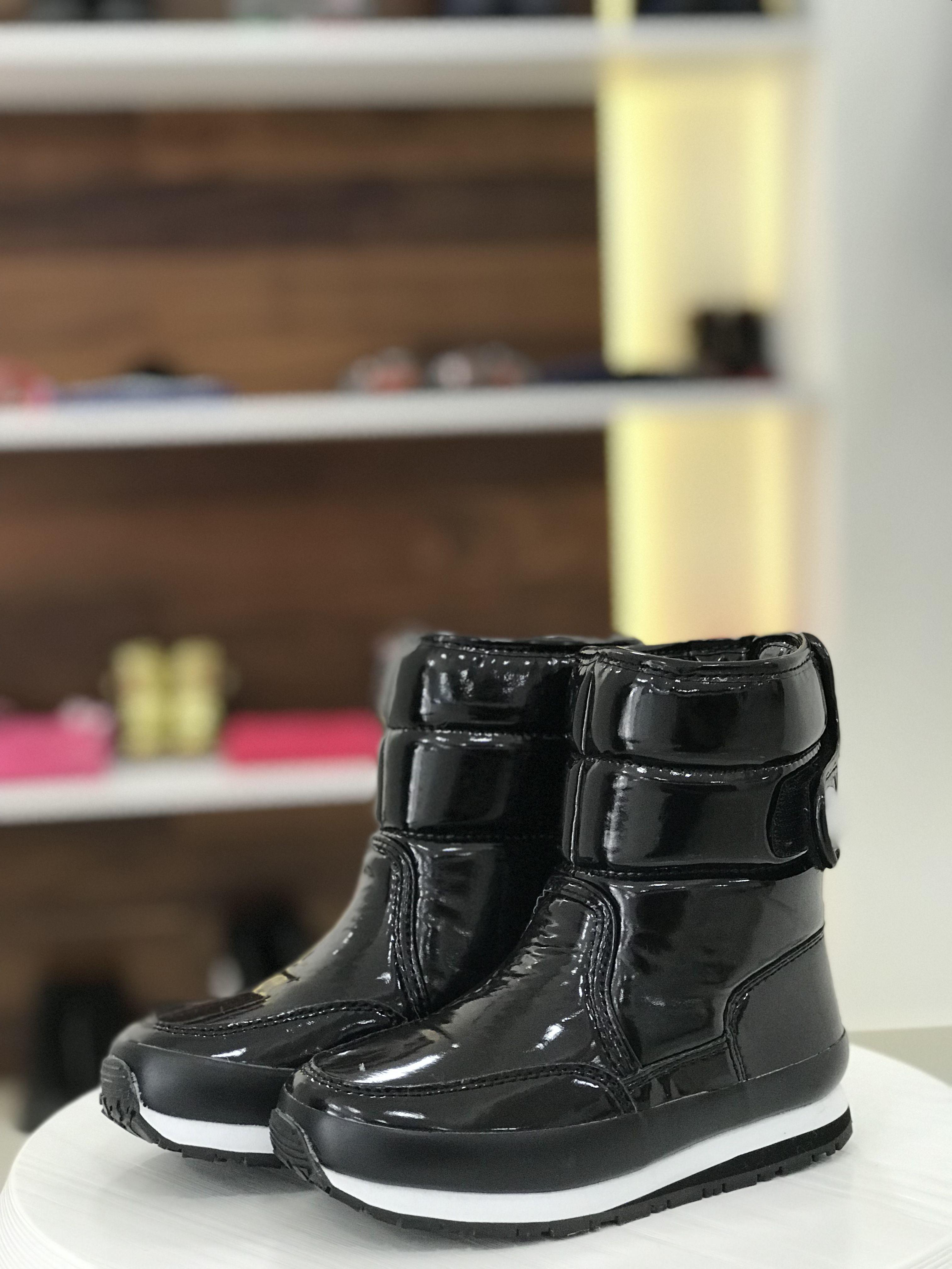 e04df9750 Conheça as nossas botas impermeáveis!