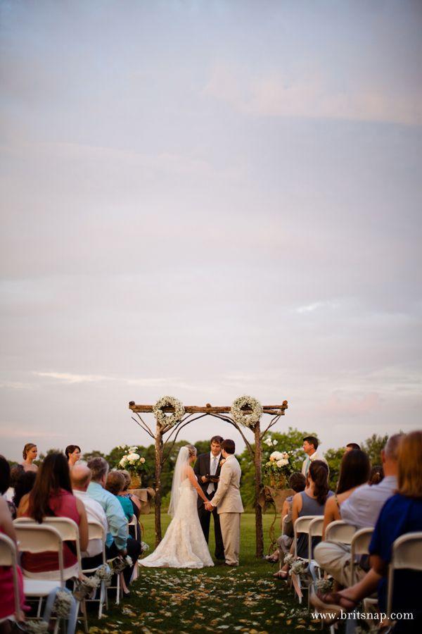 a southern comfort wedding : lauren + steven | the handmade home