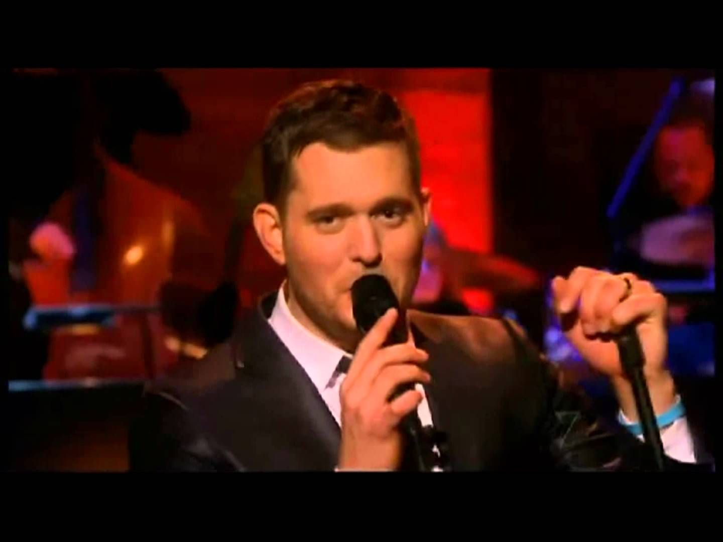 Michael Bublé - Santa Claus Is Coming To Town | MUSIC VIDEOS & CD\'s ...