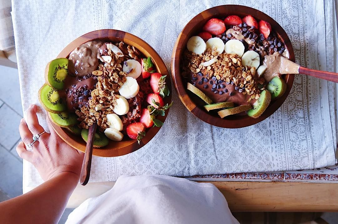 Favorite Breakfast What S Yours Nicecream With Oatmeal And Lotsss Of Toppings هذا فطوري المفضل انتم ايش تحبون تفطرون ولا ما ت Nice Cream Food Breakfast