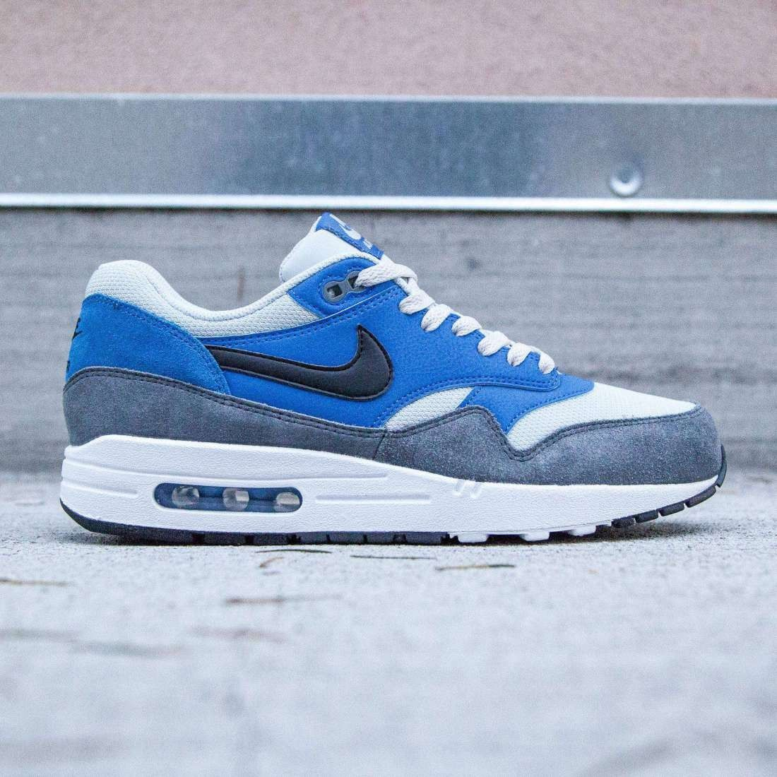 official photos 78e4b 9565a Nike Men Air Max 1 Essential (blue  hyper cobalt  black  dark grey)